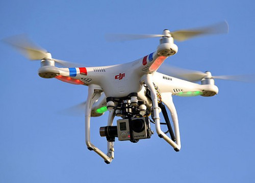 Kινεζικά drones πετούν πάνω από ελληνικά μνημεία