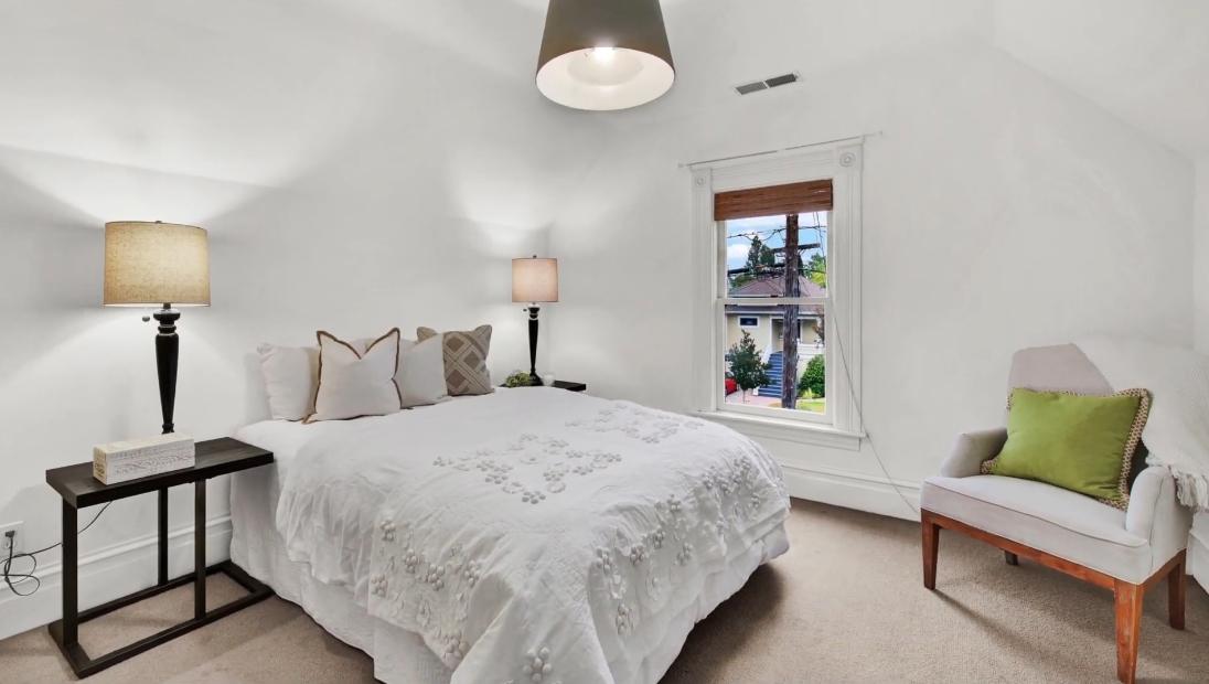 18 Photos vs. 415 Coombs St, Napa, CA Interior Design Home Tour