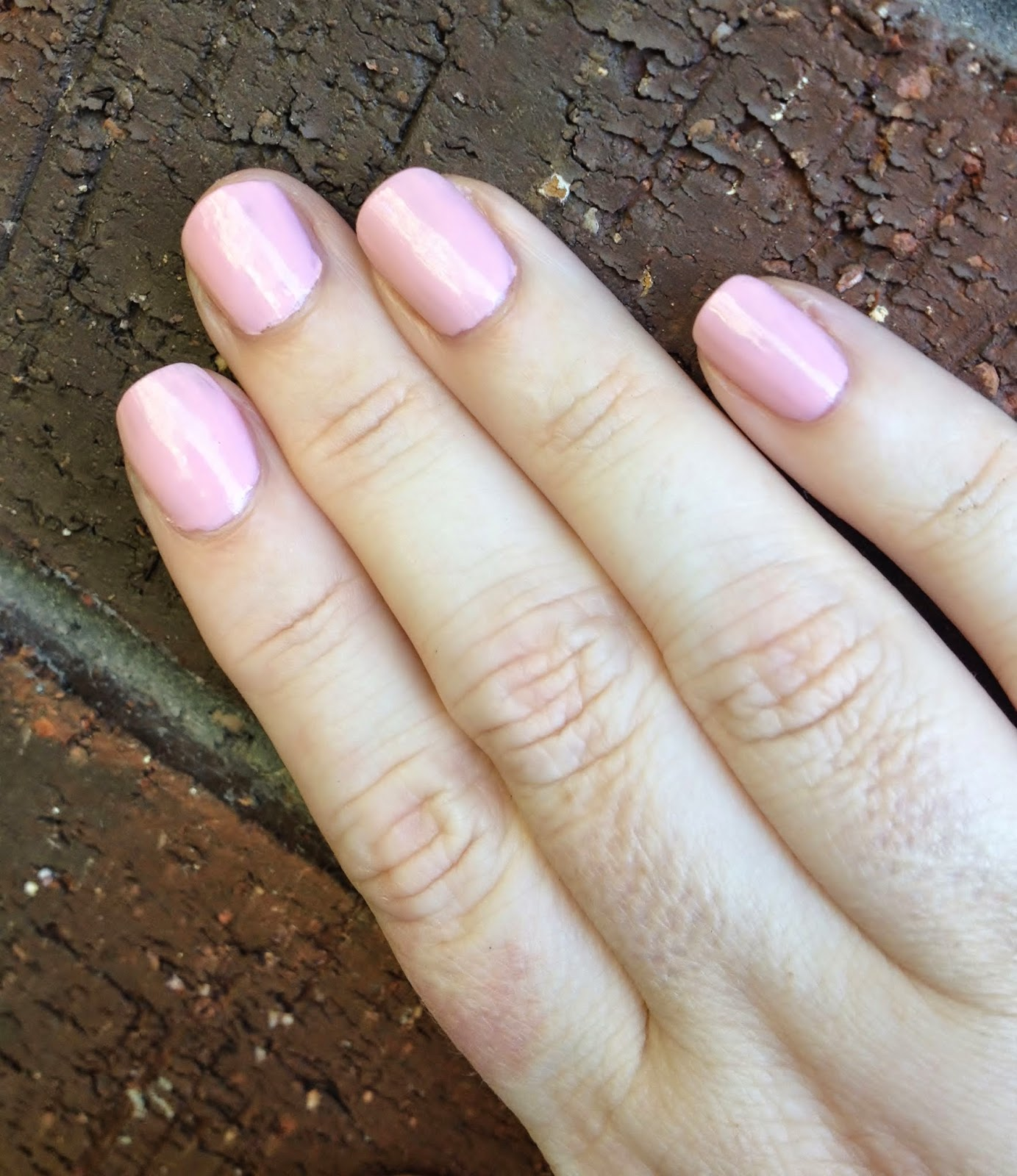 Max The Unicorn: Manicure: Sally Hansen Miracle Gel in Pinky