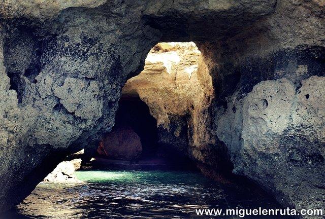 Cuevas-Benagil-6