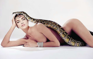 Top 10 The Most Hottest Models Love Snakes in World