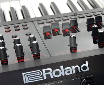 Lịch sử phát triển của nhạc cụ hãng Roland