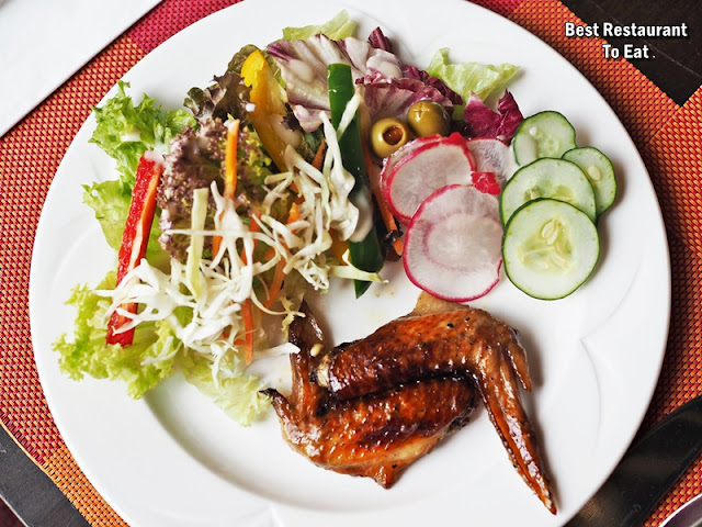 Zest Restaurant Hi-Tea - Salad With Honey Grilled Chicken