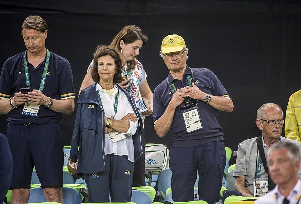 Queen Silvia and King Carl XVI Gustaf of Sweden watched the Women's Football Final match between Sweden and Germany at the 2016 Summer Olympics at the Maracana Stadium