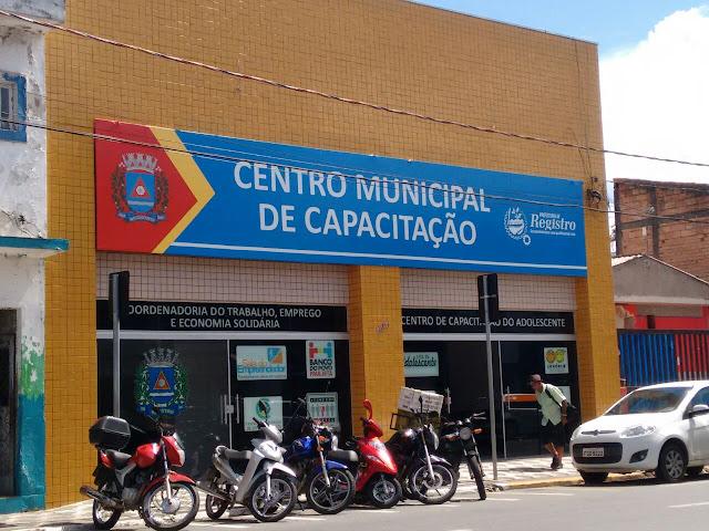 Centro Municipal de Capacitação abre inscrições para cursos de Marchetaria e Eletricista - Baixa Tensão