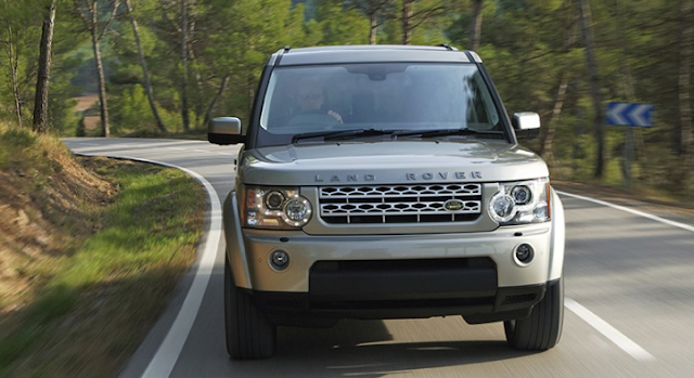 2017 Land Rover Discovery V-6 Review
