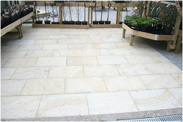 How To Choose The Right Paving Material? Should You Consider Granite Paving Slabs?
