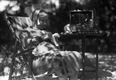 Ханна Чаплин в своем доме в Лос-Анджелесе