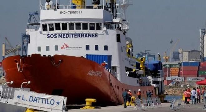 Megengedte egy ország, hogy kiköthessen a Soros-hajó, de a migránsok nem maradhatnak ott