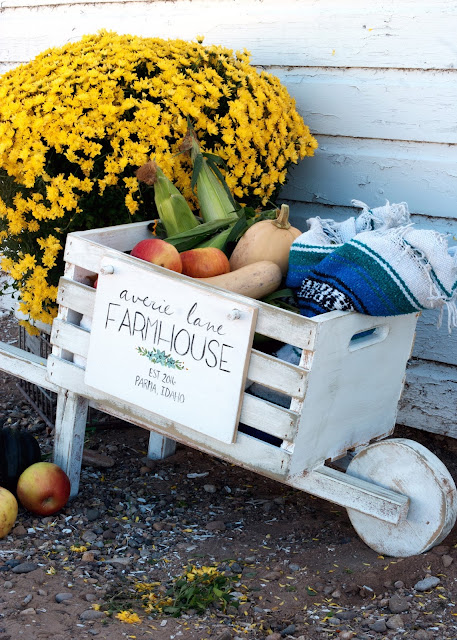 Rustic Wheelbarrow with interchangeable signs #DIHworkshop Virtual Party - Averie Lane Farmhouse Sign