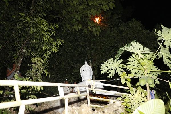 ขอขมา-จุดไฟเผารังต่อหัวเสือบนถ้ำปู่เสือเมืองตรัง หลังรุมต่อยคนงานเมืองโคราช-หนูน้อย 4 ขวบ ดับทั้งคู่