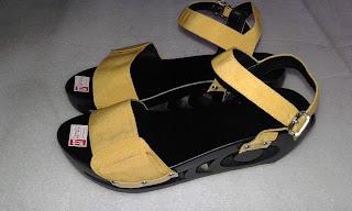 Kelom Geulis (Kelom Geulis Talincang), sandal kelom