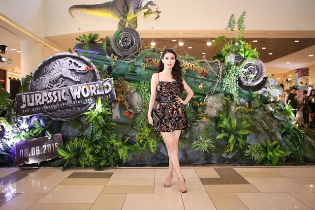 Diễm My 9x Jurassic World 2