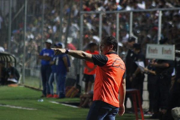 Oficial: Club Nacional, destituido Celso Ayala