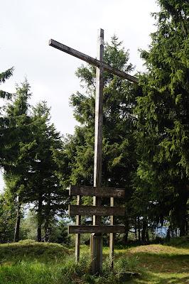 Wołek krzyż papieski