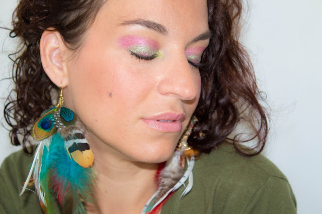 Make-up estival : kaki, magenta et une touche de turquoise