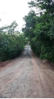Prefeitura de Miracatu realiza serviço de manutenção de estrada e contenção da margem do rio São Lourenço