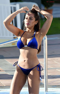 Sophie Kasaei Voluptuous  Beauty in blue Bikini  huge  Visible WOW CEleBrity.co Exclusive 005
