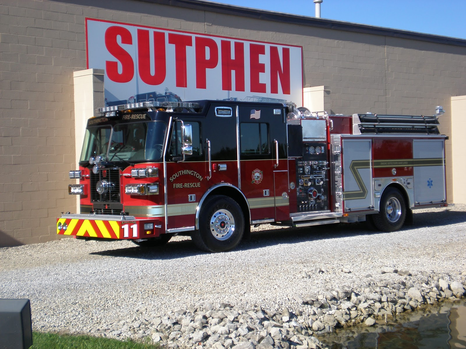 Fire mike on all things fire new sutphen deliveries this is southingtons ct new sutphen pumper photo by jim lyons sciox Gallery