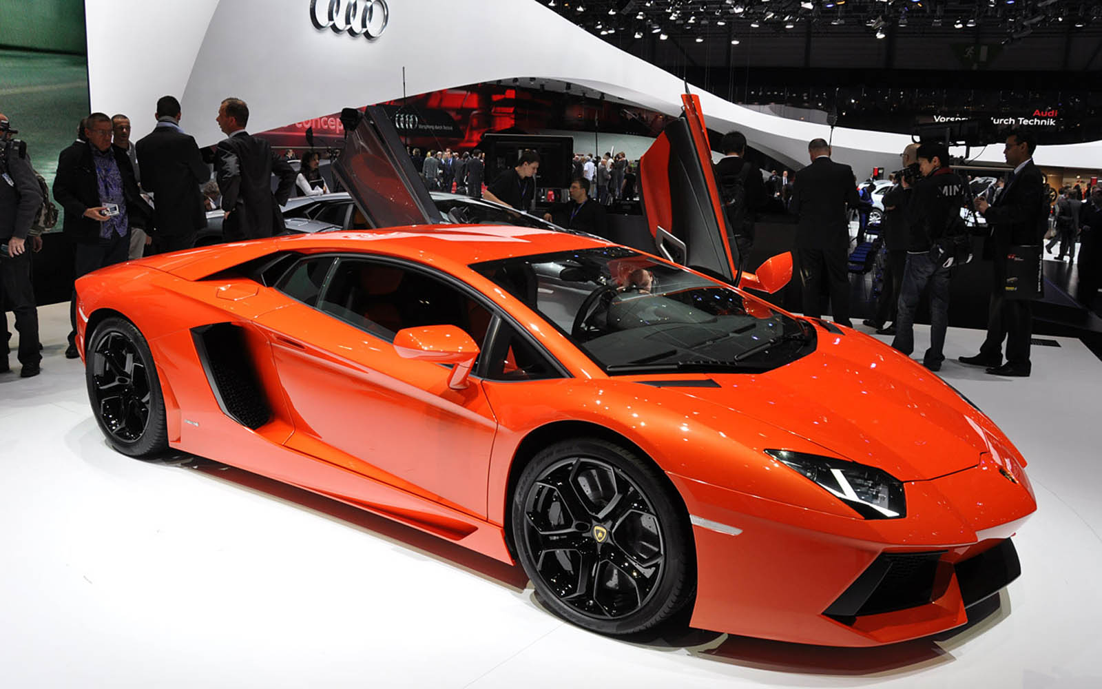 lamborghini aventador lp 700 4 pictures hd wallpapers. Black Bedroom Furniture Sets. Home Design Ideas
