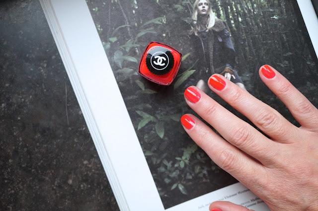 Chanel Le Vernis Neon '604 Scenario'