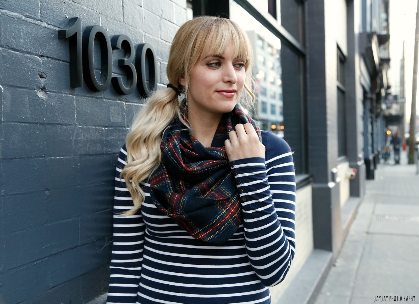 how-to-wear-an-infinity-scarf