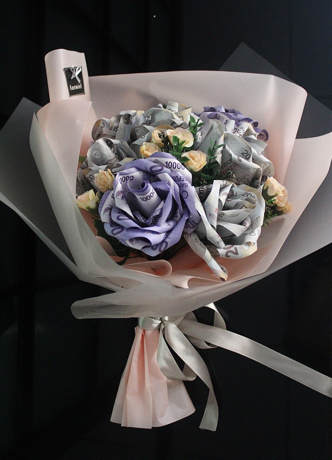 Auswiel Flower Design: Roses Money Bouquet