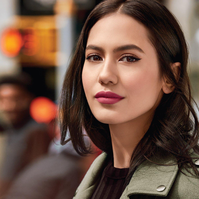 Kecantikan Pevita Pearce Pada Iklan Maybelline New York