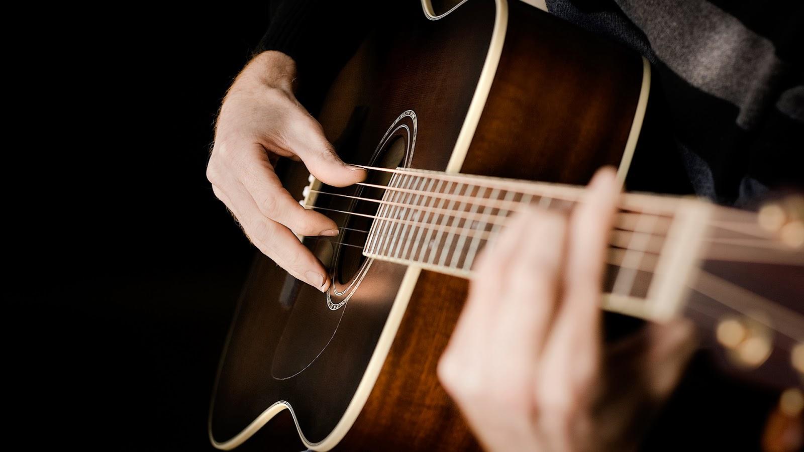 Klasik Gitar Çalarken Hangi Teknikler Kullanılır