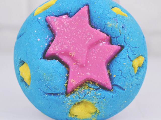 Review of Lush Big Bang Bubble Bar