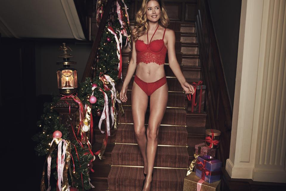 Doutzen Kroes sets pulses racing as she slips into sexy lingerie to model Hunkemöller's festive collection