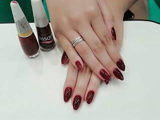 Manicure em Camburi