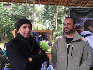 Secretário de Turismo Elias Martins com o chefe do PNSO, Leandro Goulart, na Abertura da Temporada de Montanhismo