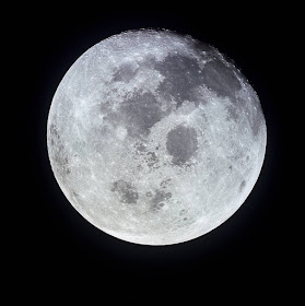 full moon NASA image apollo 11