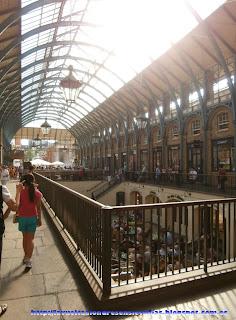 Interior del mercado de Covent Garden