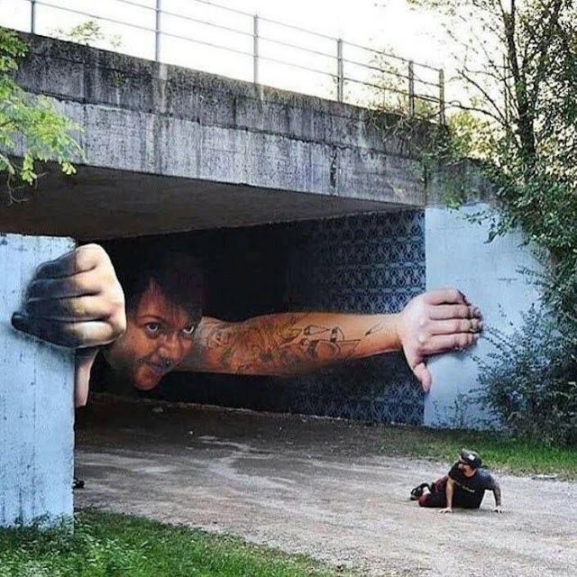"""Swimming Out of tha Streets"" #STREETART"