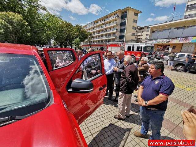 Osorno: Municipio entregó camioneta para apoyar labor de bomberos