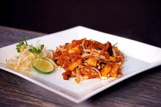 D.Bistro restaurant Chiang Mai pad thai