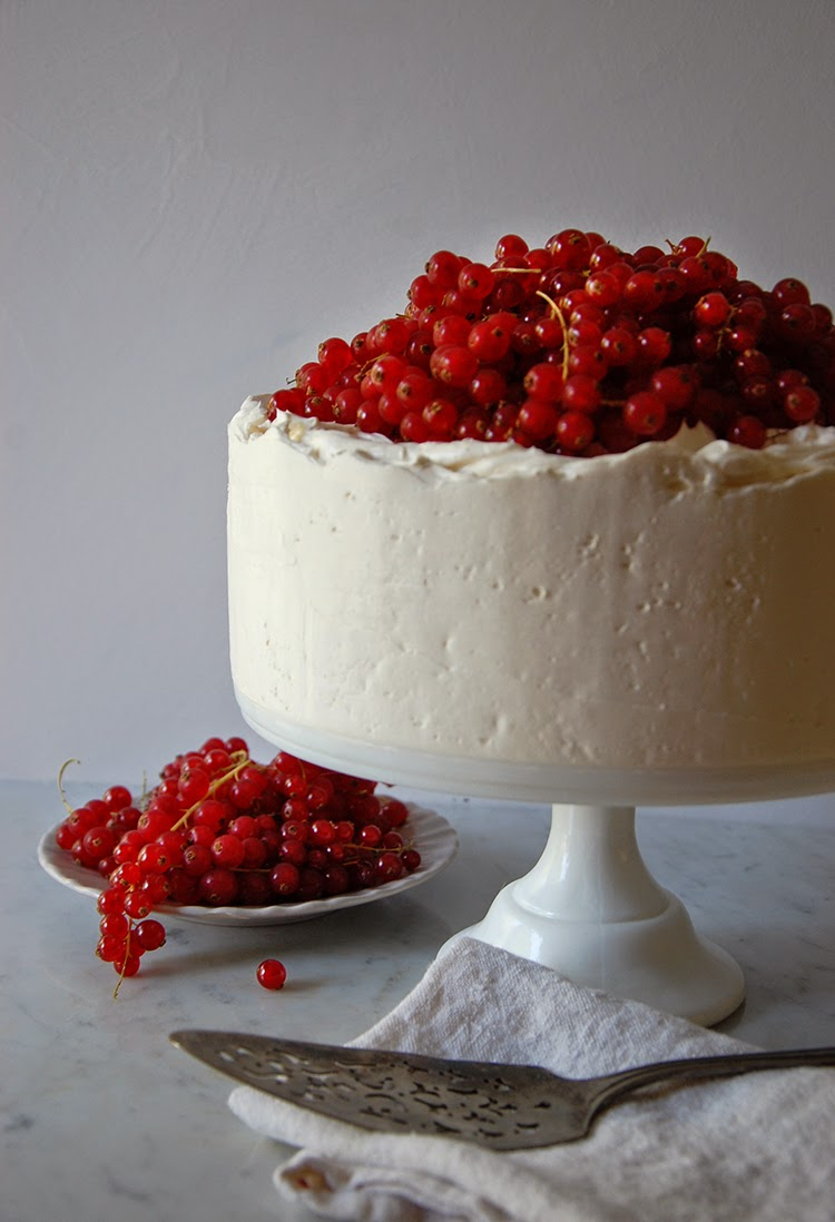 Amaretto and Red Currant Cake from The Bedlam of Beefy http://thebedlamofbeefy.blogspot.com/2014/09/amaretto-red-currant-cake.html