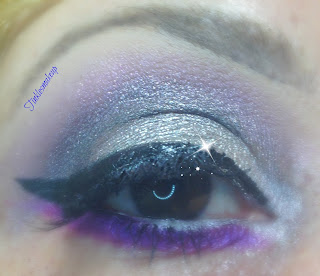 eye_makeup_look_grey_glam