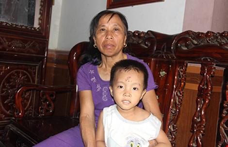 Con trai tìm được mẹ sau 22 năm bị bán sang Trung Quốc
