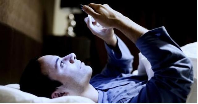 Konuk Yazar/ Gençlerin Yüzde 45'i Yatağa Telefonla Giriyor