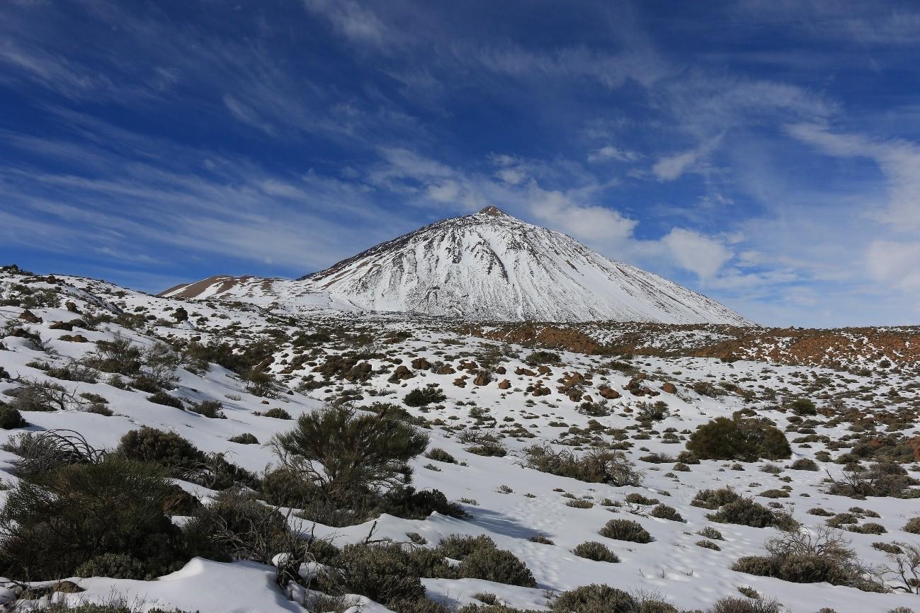 Resultado de imagen de Las bajas temperaturas provocan las primeras heladas en el Teide