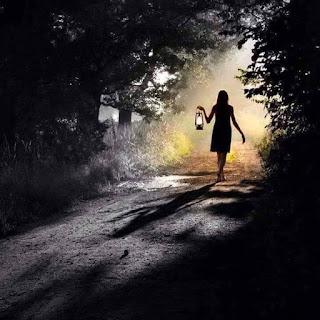 To κρυφό και Το ξύλινο μονοπάτι της σιωπής. Γιατί βάλατε το μονοπάτι στο τέλος;