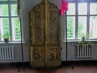 Руда. Музей. Дубові двері родинної церкви Виговських з села Йосиповичі
