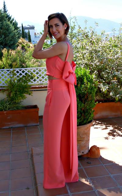 Fitness And Chicness-Invitada Tonos Rojos La Familia Mujer-4