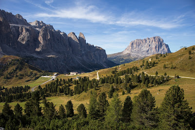 View of Passo Gardena, left Sella Group, Right Langkofel Group (Hike 1).