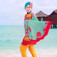 Model Busana Muslim Untuk Ke Pantai Trendy Terbaru