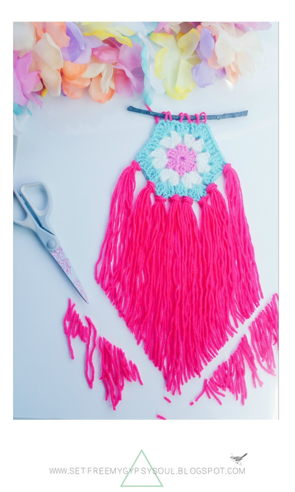 free crochet pattern boho gypsy festival diy wall art