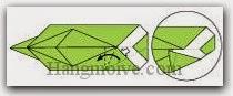 Bước 17: Mở lớp giấy trên cùng ra, kéo và gấp lớp giấy sang trái.